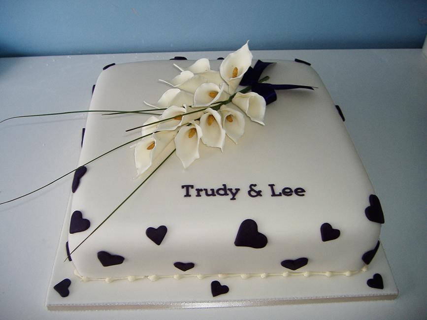 1 Tier Trudy & Lee  £140.00
