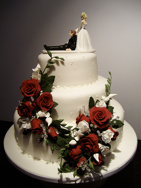 3 Tier Midnight Rose with bride and groom topper £360.00