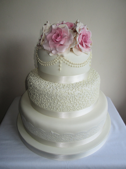 Three Tear Wedding Cakes.3 Tier Wedding Cakes Classic Cakes Com Sugar Flowers Naked Cakes