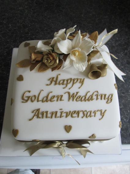 8in square golden wedding £55.00