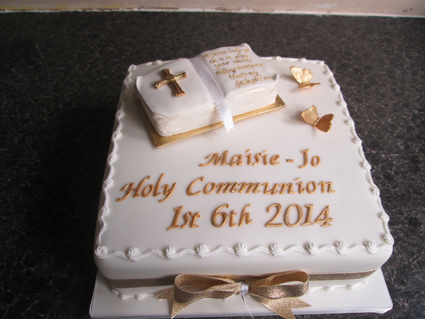 Holy Communion cake 8in £45.00 sponge