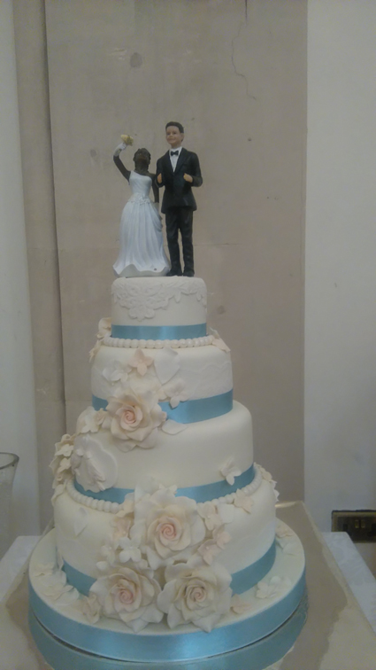 4 tier vintage lace with bride and groom topper £395.00