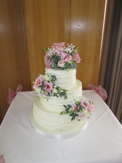 3 tier frosting £280.00